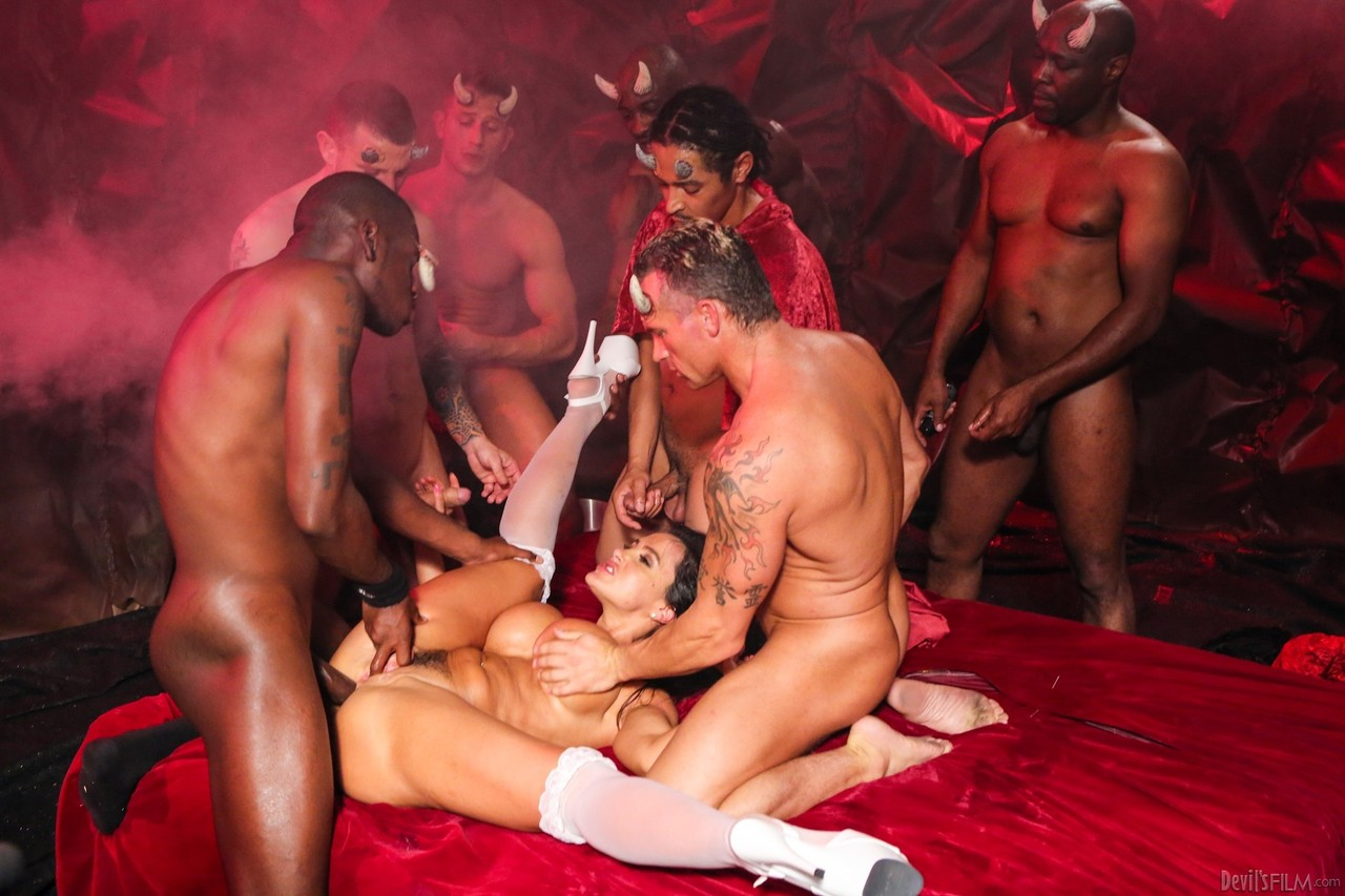Lisa Ann The Devil's Gangbang 09