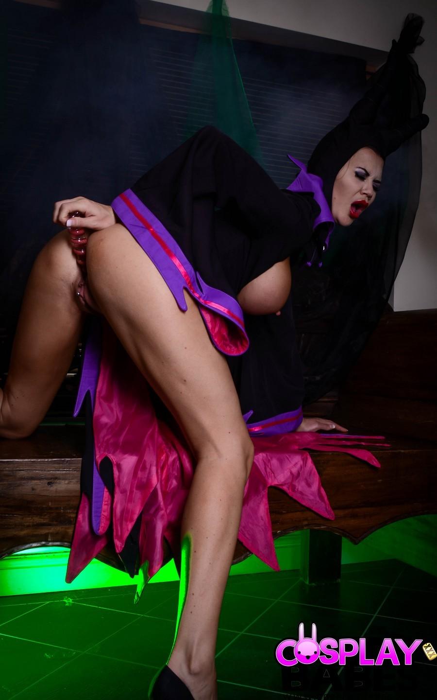 Jasmine Jae Malefica Cosplay Babes 2