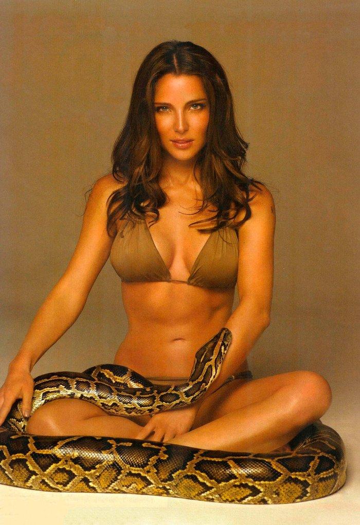 Elsa Pataky fotos sexys con serpiente