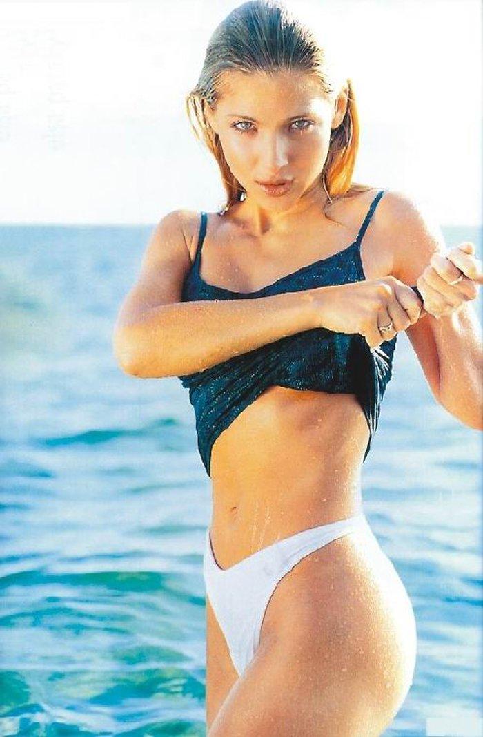 Elsa Pataky mojada y húmeda
