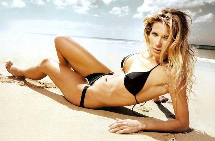 Vanesa Romero posado playa