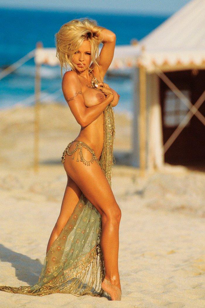 Pamela Anderson desnuda revista erótica 7