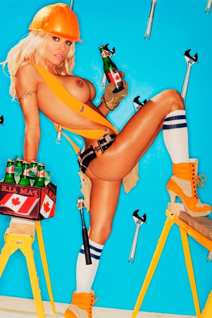 Pamela Anderson enseña todo