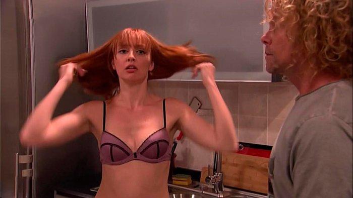 Cristina Castaño casi desnuda LQSA