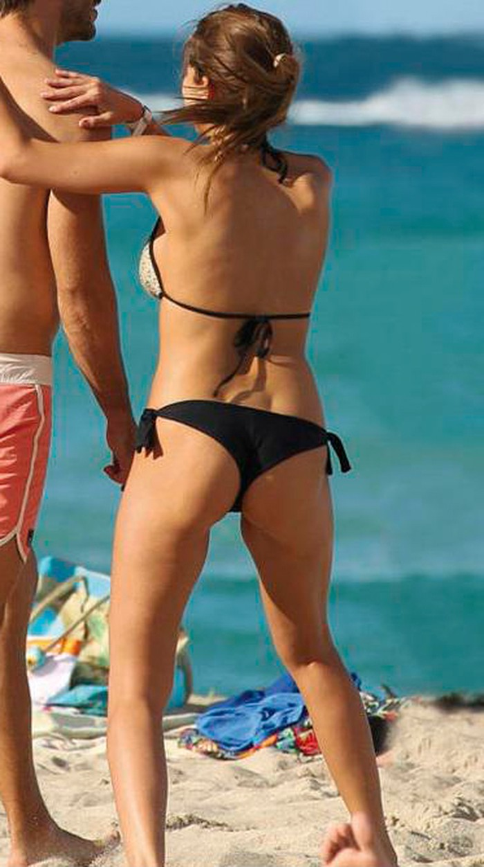 Natalia Sánchez bikini de culo