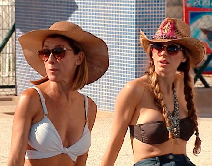 Eva Isanta con biquini en la playa