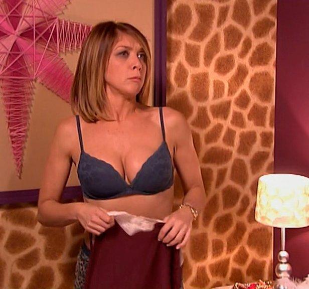 Eva Isanta en sujetador sexy