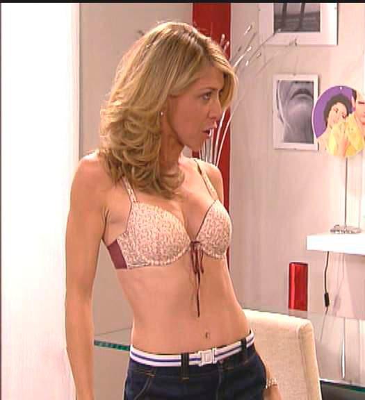 Eva Isanta sexy y caliente