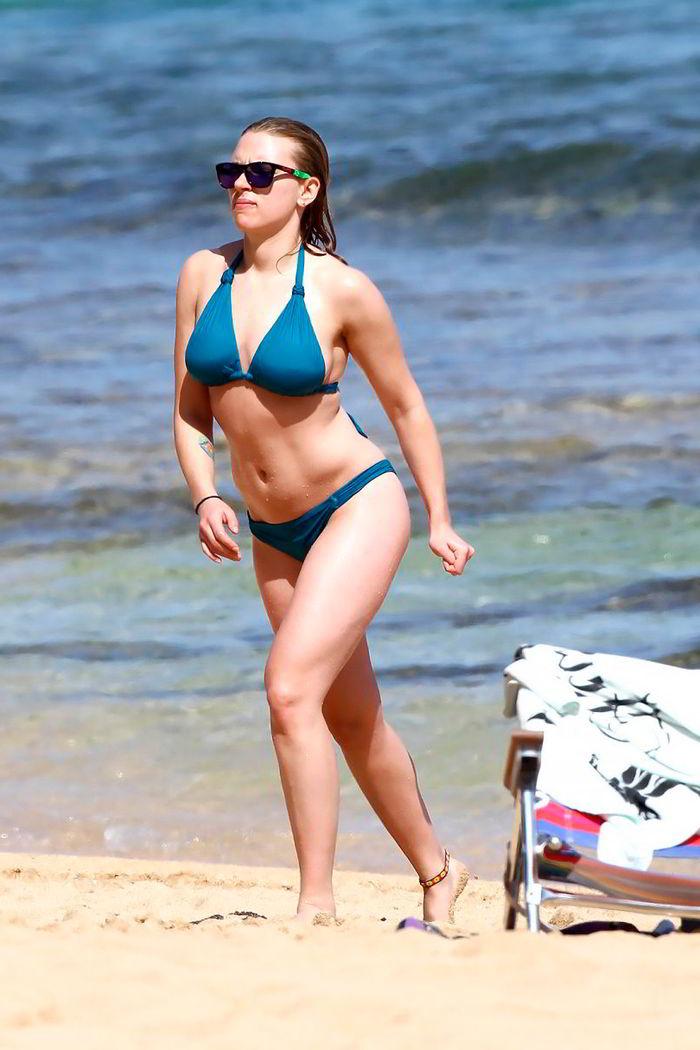 Scarlett Johansson en la playa