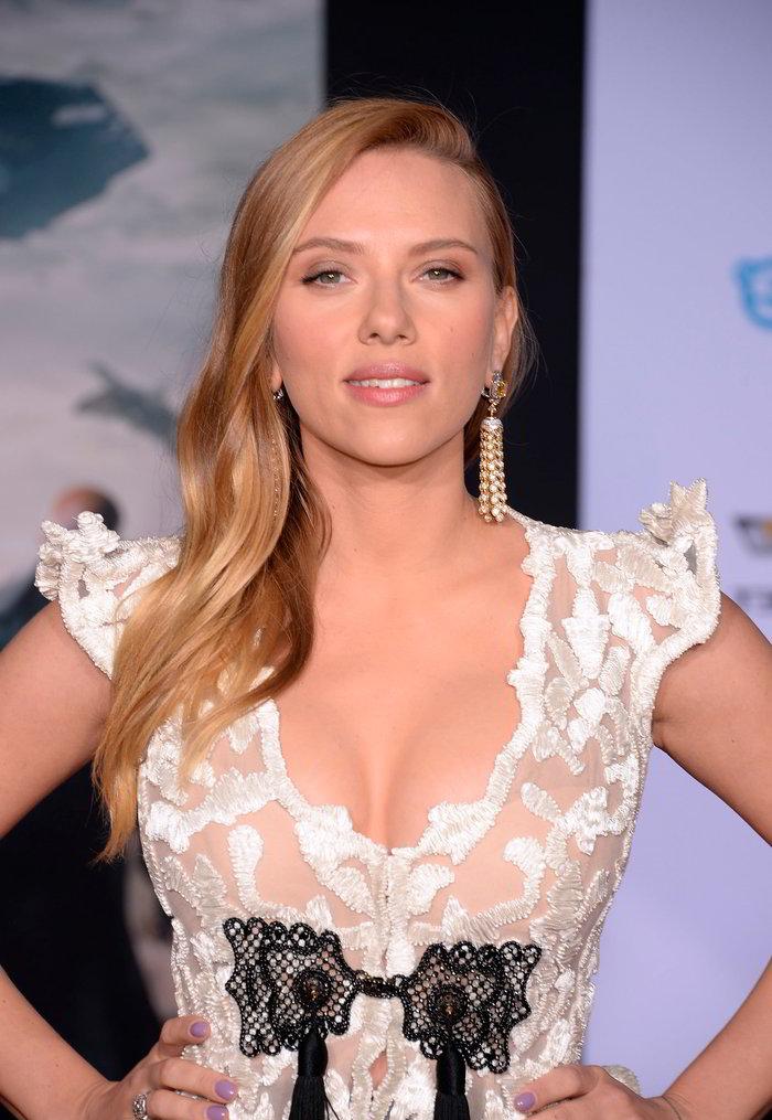 Scarlett Johansson posado sexy
