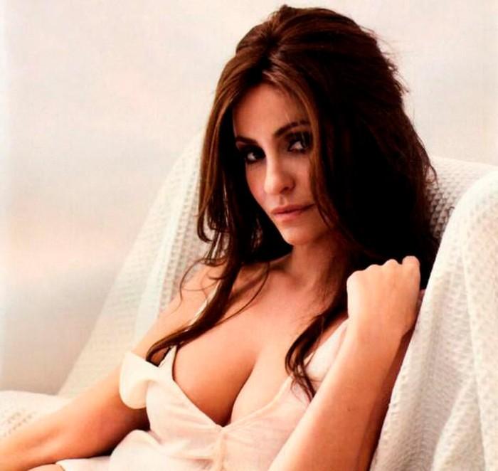 Melanie Olivares sexy y provocativa