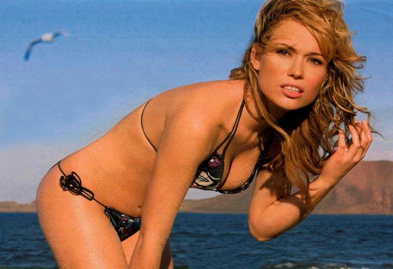 Patricia Conde Posado Bikini Sensual 6