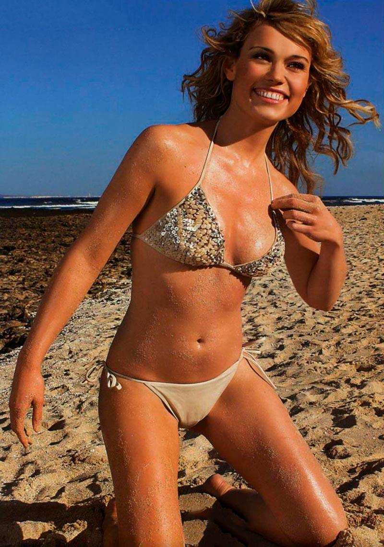 Patricia Conde Posado Bikini Sensual