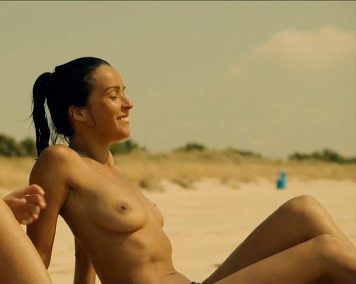 Verónica Sánchez topless El Embarcadero