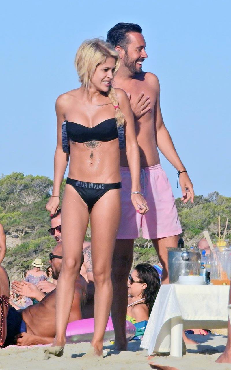 Ylenia Padilla Cuerpazo Bikini Playa 3