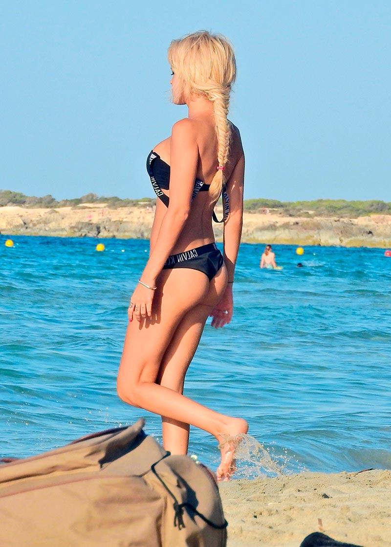 Ylenia Padilla Cuerpazo Bikini Playa 4