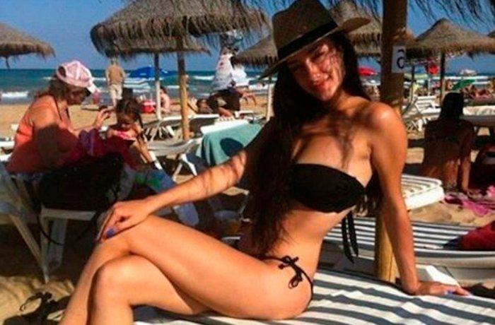 Adara Molinero bikini playa