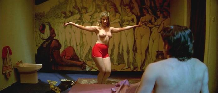 Berta Escobar desnuda en películas