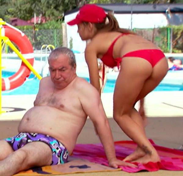 María León piscina