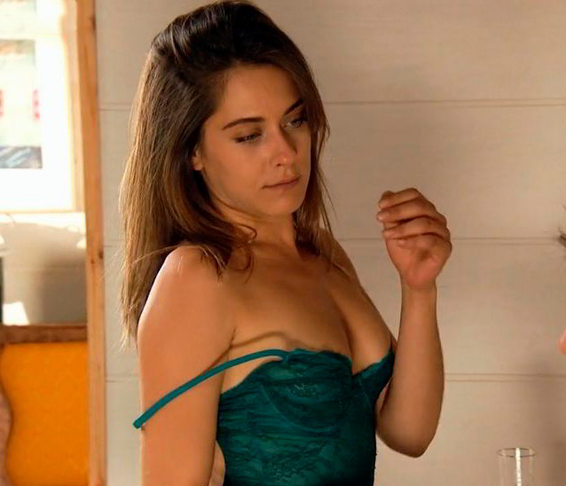 María León series