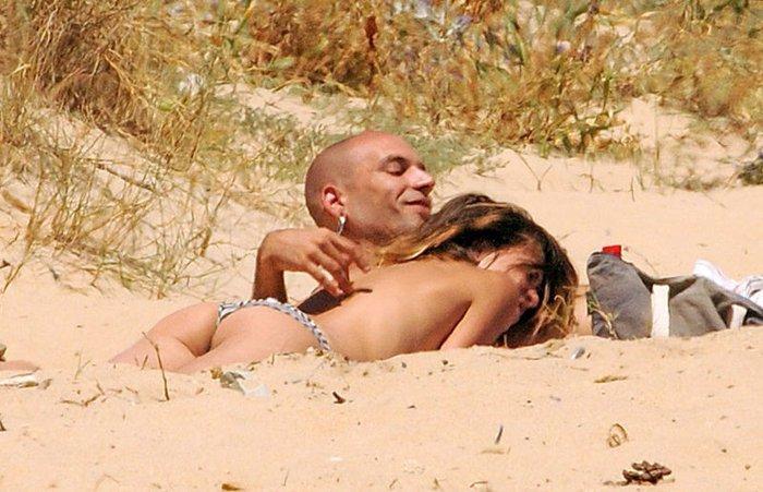María León Pillada Playa Paparazzi