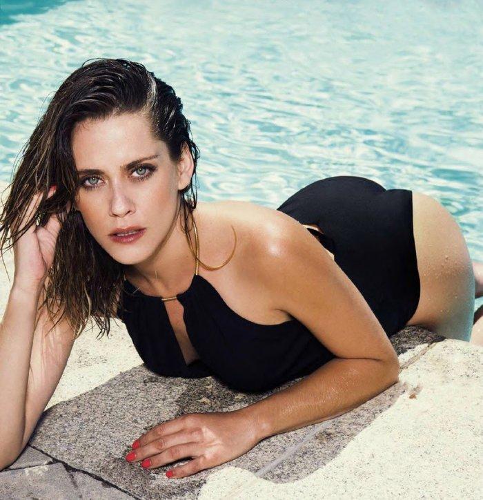 María León Posado Sexy Bikini 8