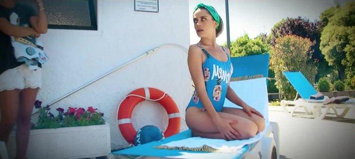 María León Posado Sexy Bikini 9