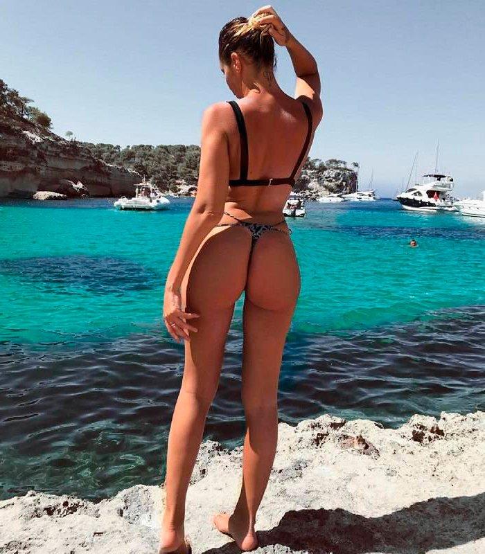 Patricia Steisy Semidesnuda Bikini Pequeño