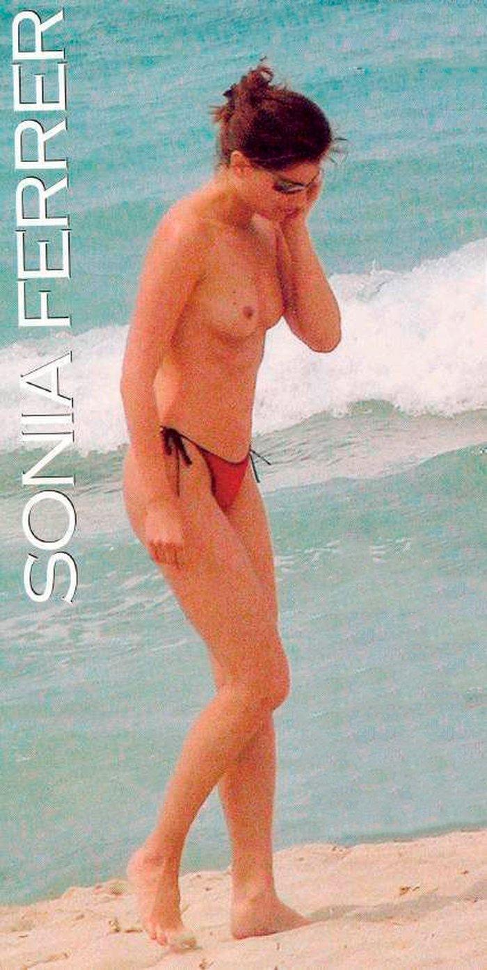 Sonia Ferrer pillada topless playa