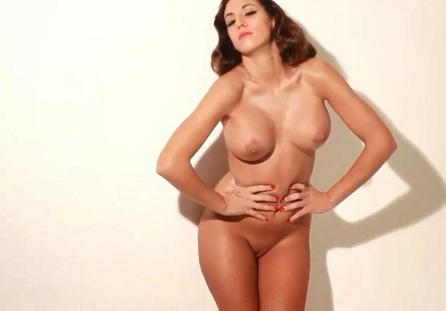 Steisy desnuda para Interviu