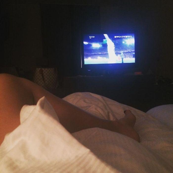 Desnuda en la cama