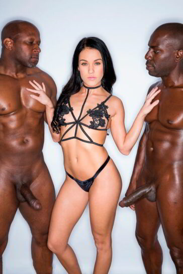 Megan Rain y su primera doble penetración interracial
