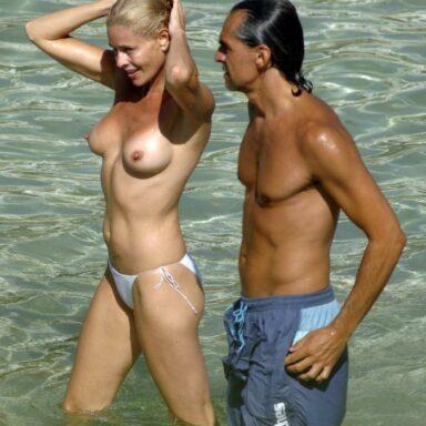 Belen Rueda desnuda playa