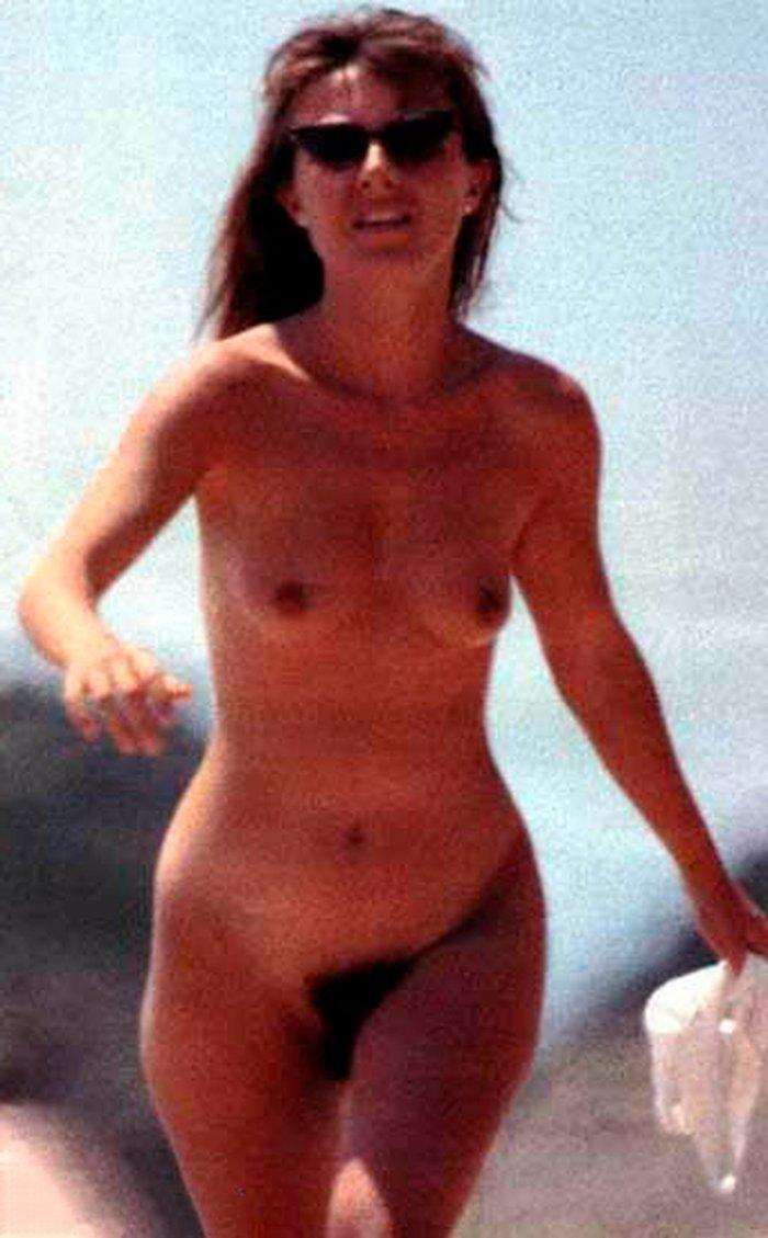Cayetana Guillén Cuervo pillada desnuda