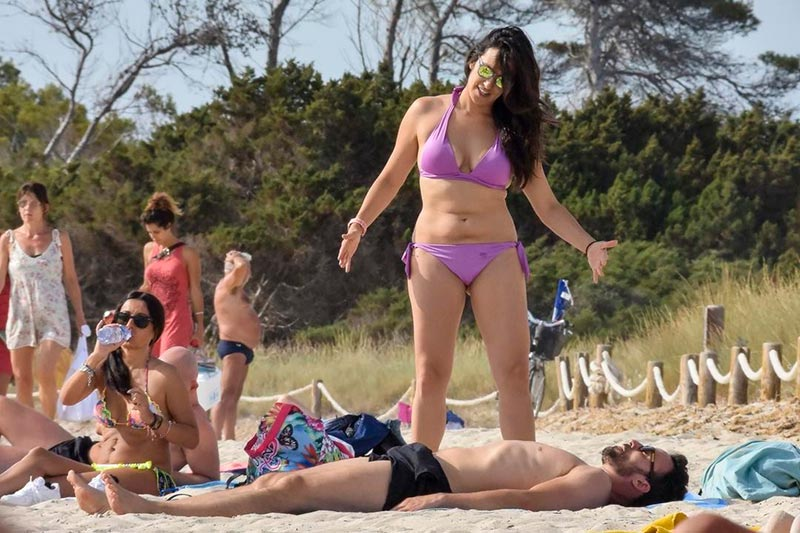 Irene Junquera Bikini Playa Novia Pablo Puyol 7