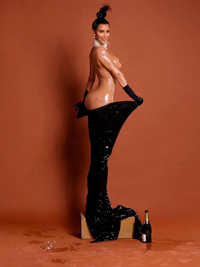 Kim Kardashian champán culona