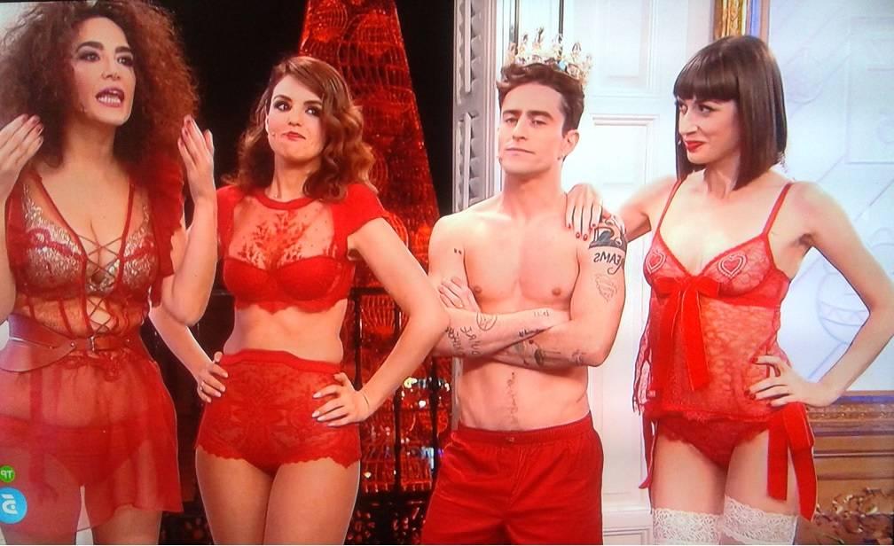 Presentadoras de Cámbiame en lencería roja