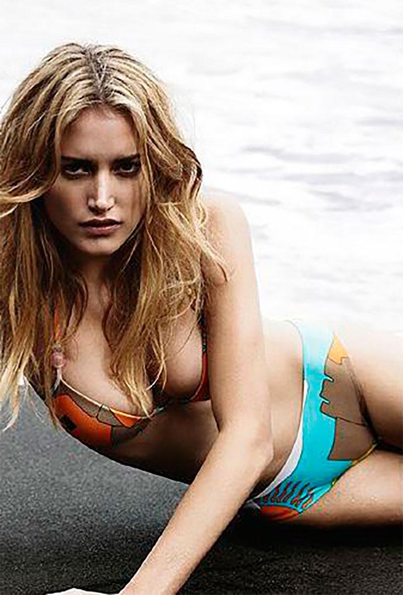 Alba Carrillo Modelo Bikini Sexy 5