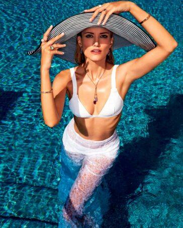 Alba Carrillo Posado Moda Erótico