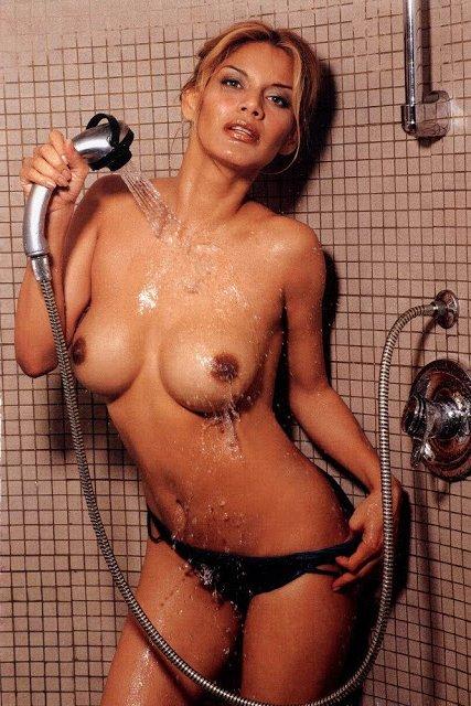 Ivonne Reyes hot