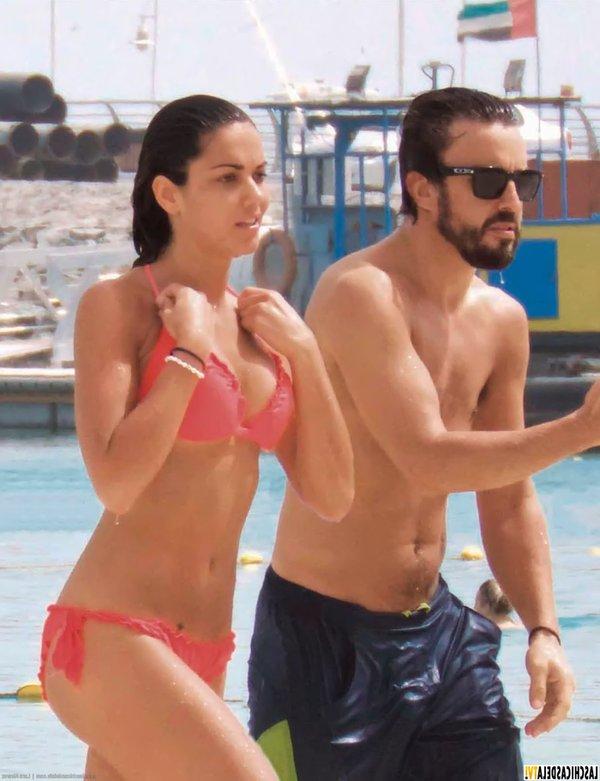 Lara Álvarez Fernando Alonso Playa