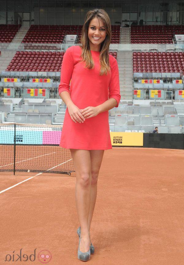 Vestido rojo pista tenis