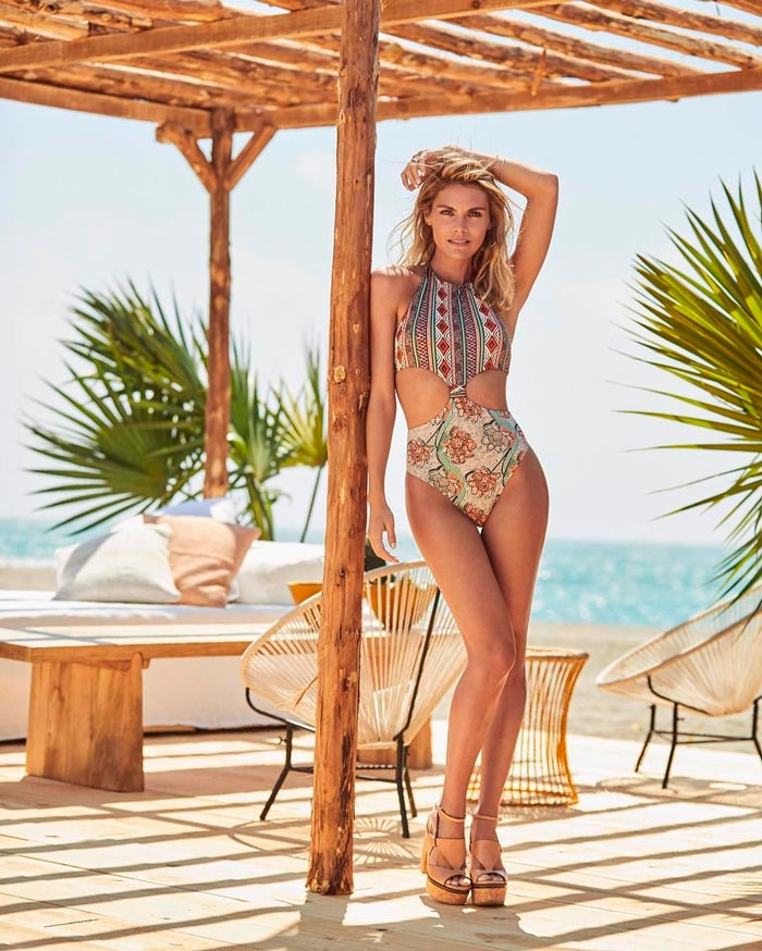 Amaia Salamanca Cuerpazo Bikini Revista Moda 3