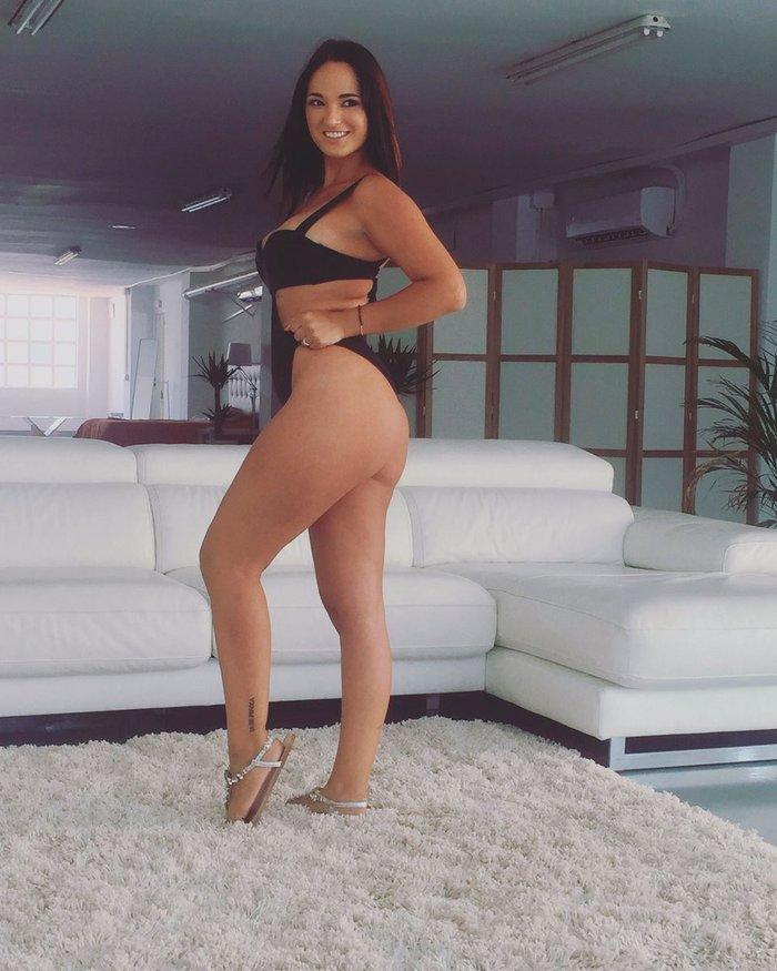 Claudia Bavel Fotos Eróticas Lencería 6