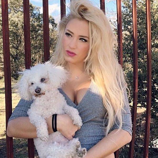 Laura Gadea perro