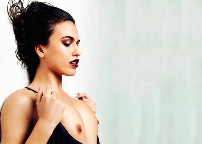 Topless Sofía gh 16