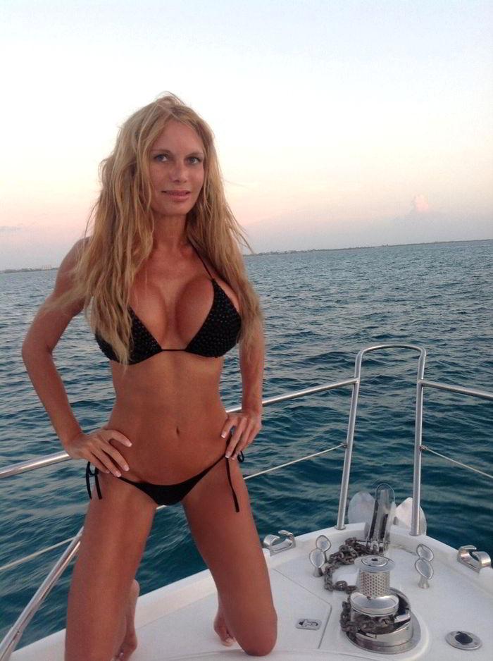 Yola Berrocal Bikini Yate