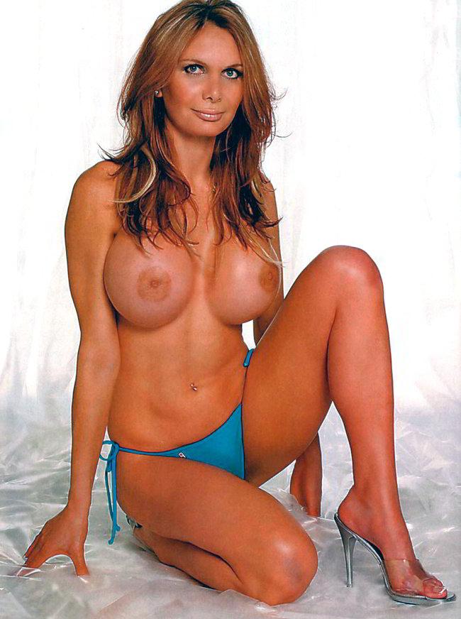 Yola Berrocal desnuda