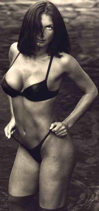 Yola Berrocal sexy