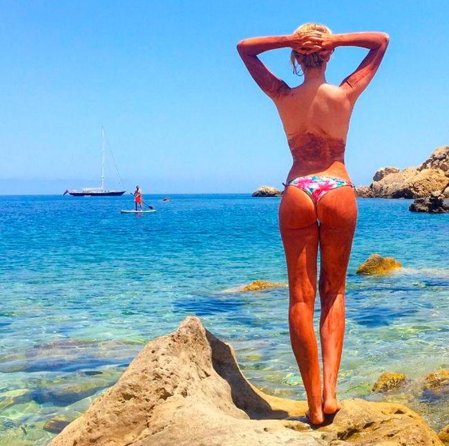 Adriana Abenia topless Instagram